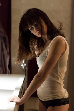 olga kurylenko THE PROFESSIONAL