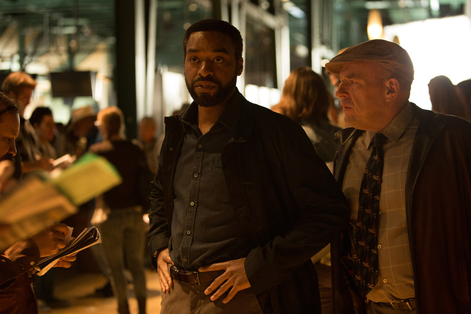 Chiwetel Ejiofor and Dean Norris in SECRET IN THEIR YES