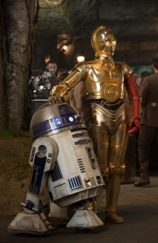 R2-D2 and C-3PO (Anthony Daniels)..Ph: David James..?Lucasfilm 2015