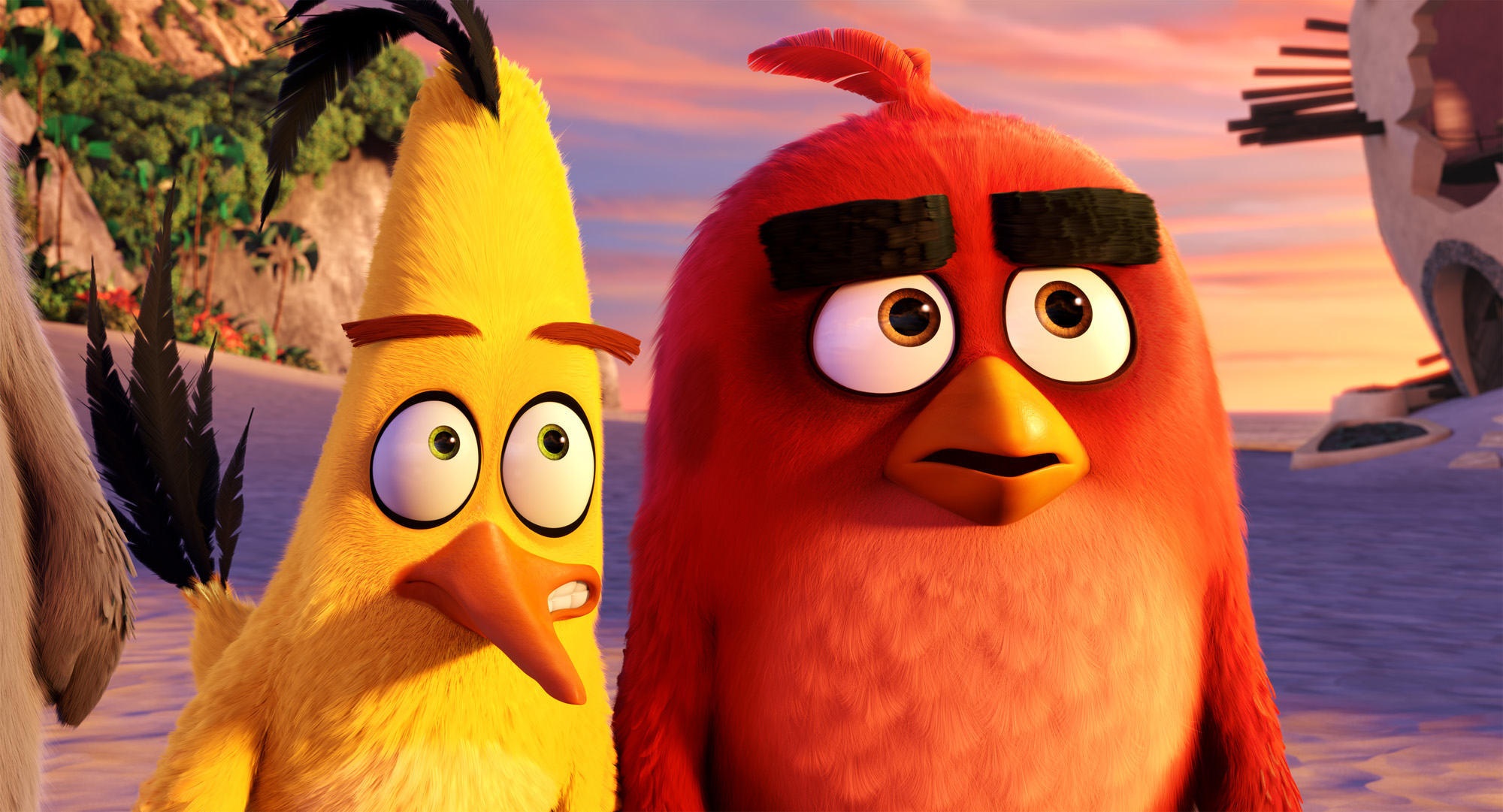 Chuck (Josh Gad) and Red (Jason Sudeikis) on the beach in Columbia Pictures and Rovio Animation's ANGRY BIRDS.