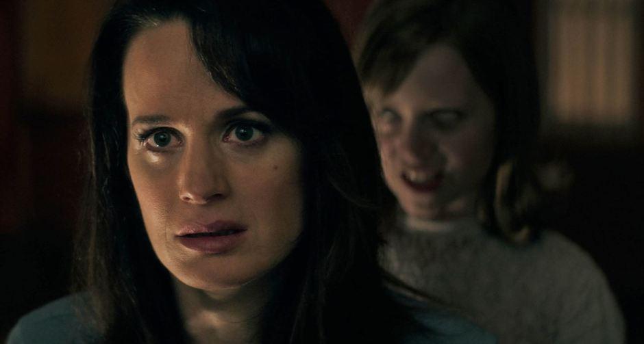Twilight s elizabeth reaser contacts spirits in ouija - La tavola ouija film ...